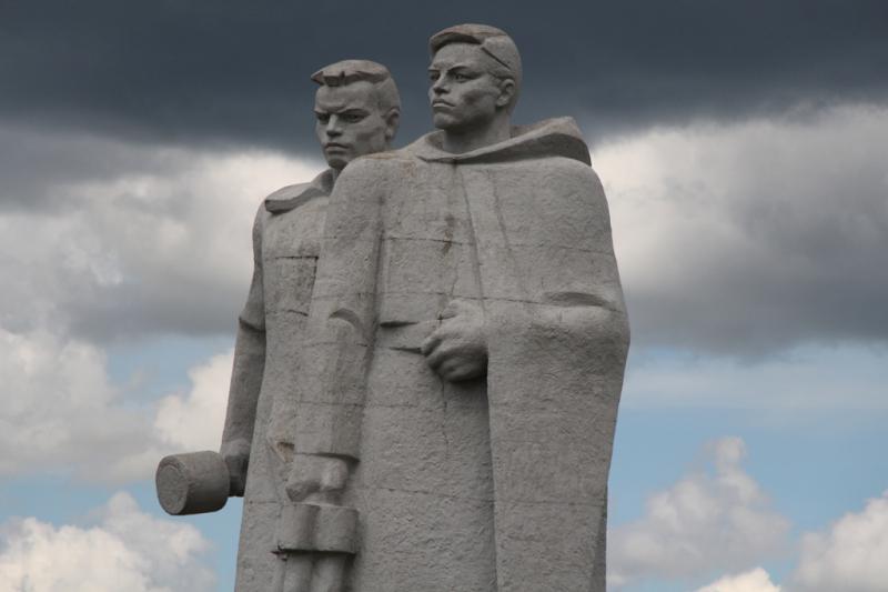 велика россия а отступать некуда