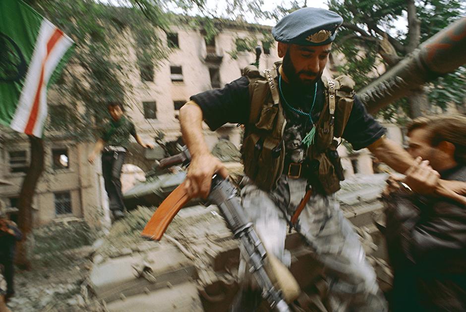 русские режут чеченцев