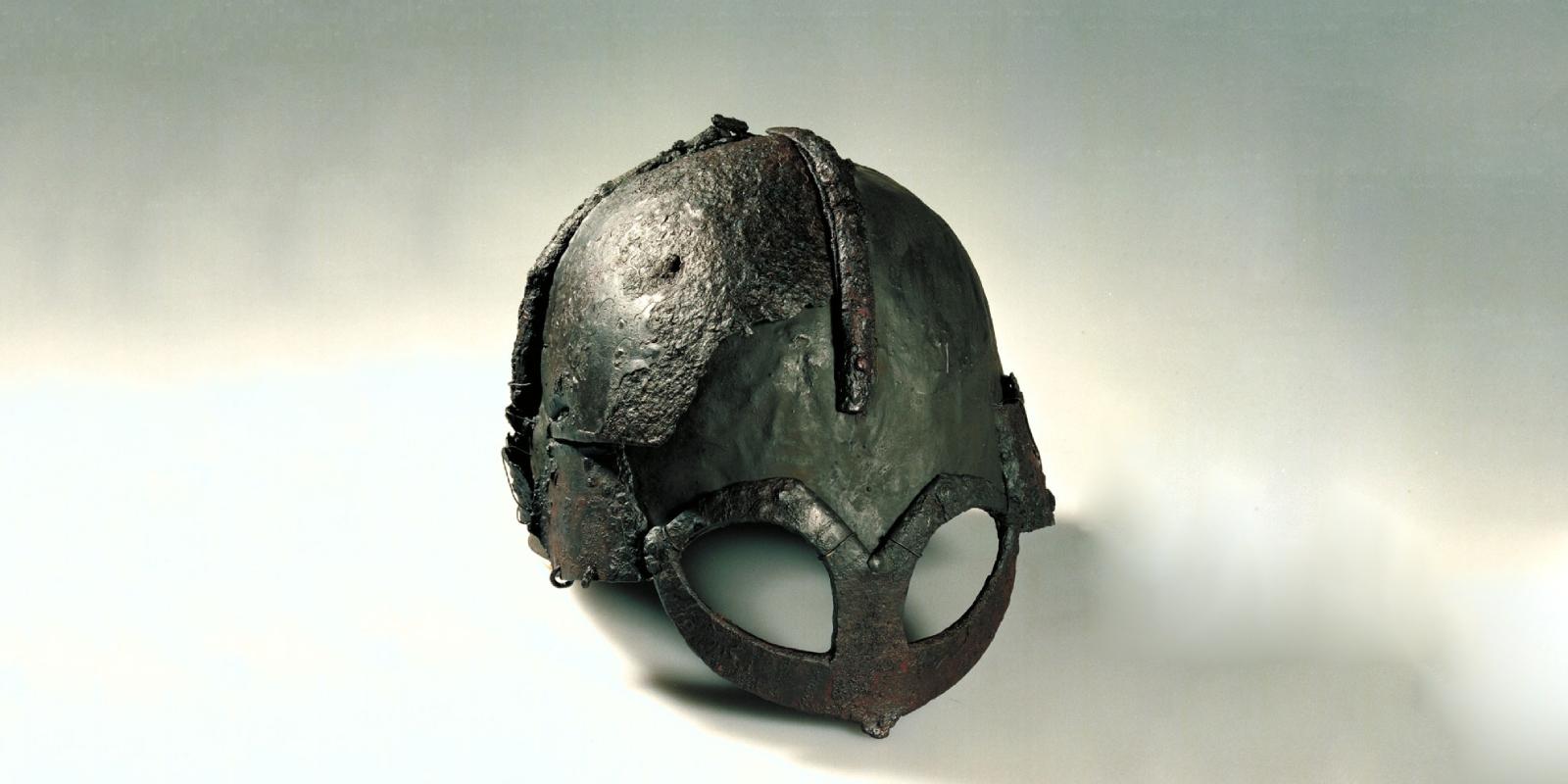 шлем викинга с рогами
