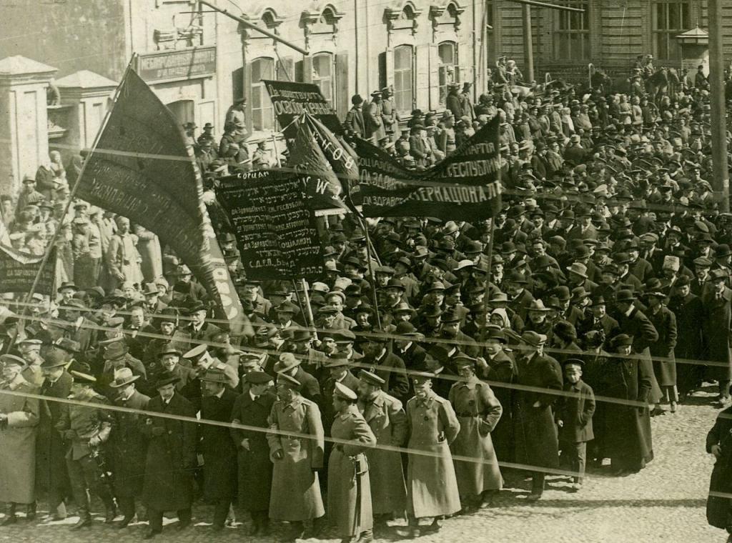 дата вооруженного восстания в петрограде