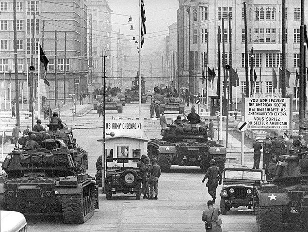 первый берлинский кризис разразился