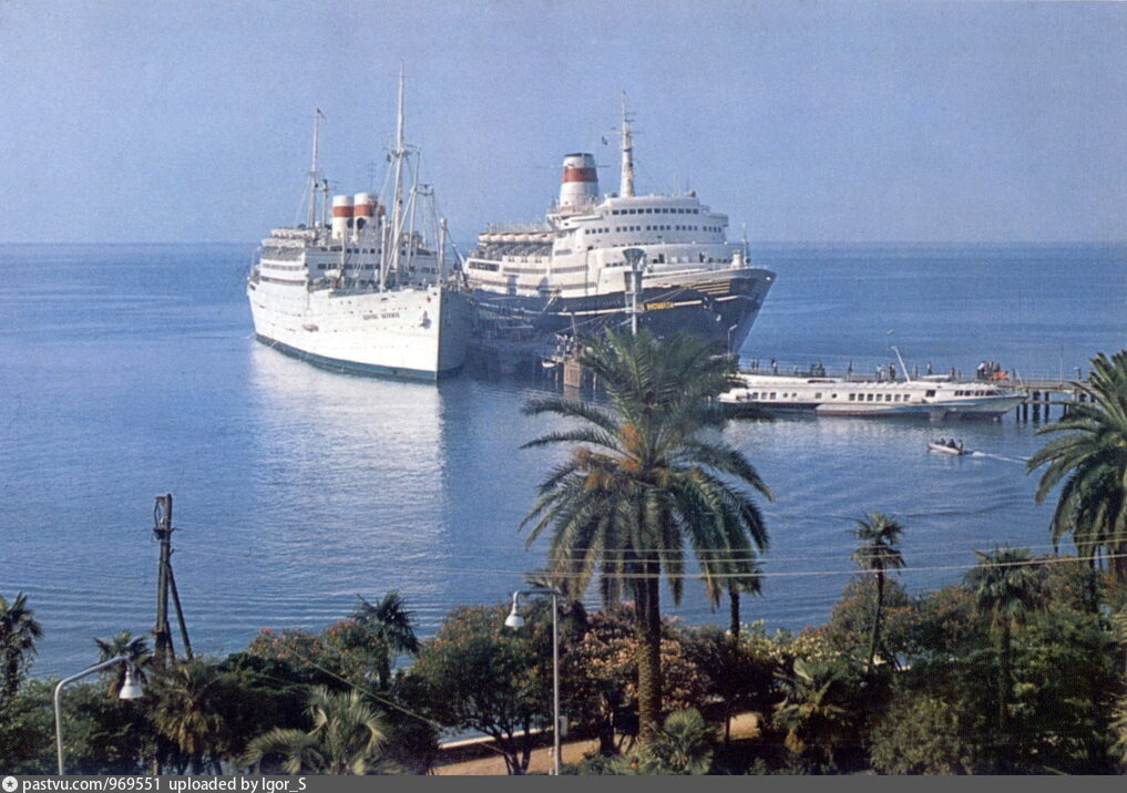 судно адмирал нахимов