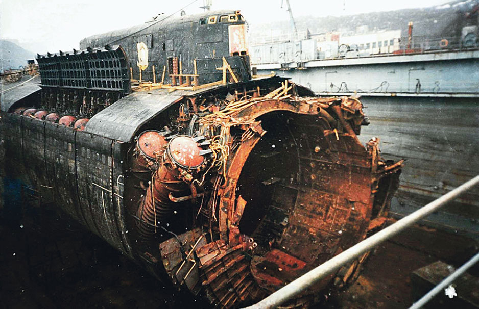 курск подводная лодка фото после аварии