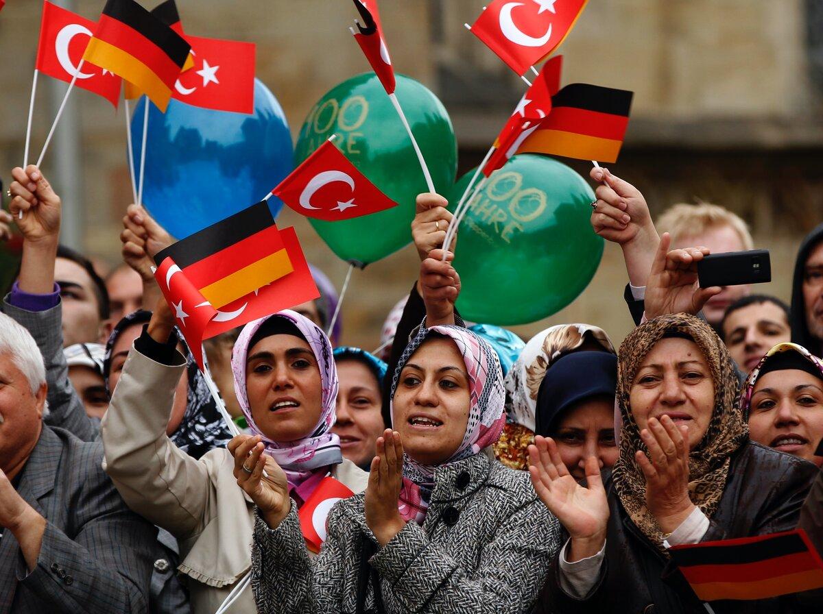 почему в германии много турков