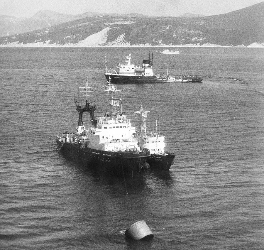 теплоход адмирал нахимов