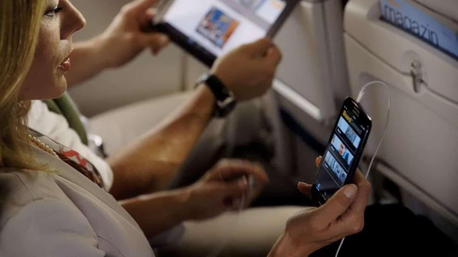 зачем отключать телефон в самолете