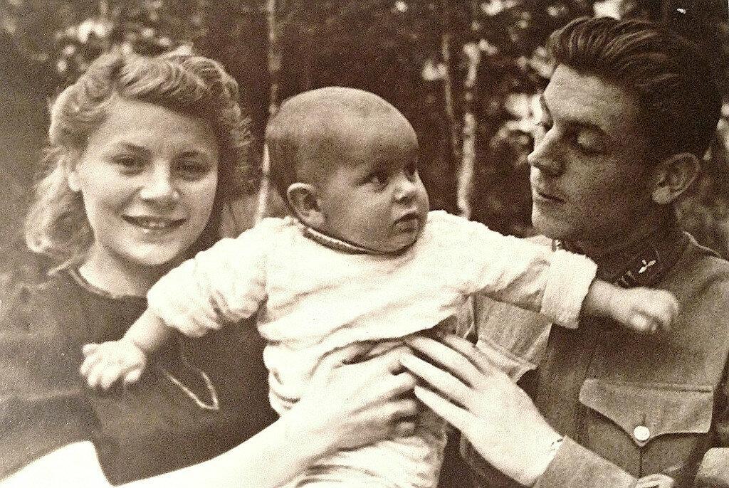 внуки василия сталина