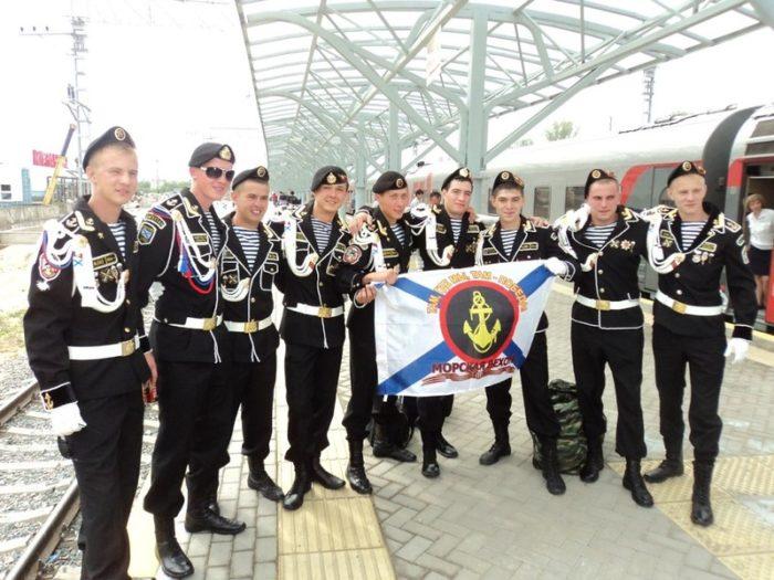 парадная форма военнослужащих