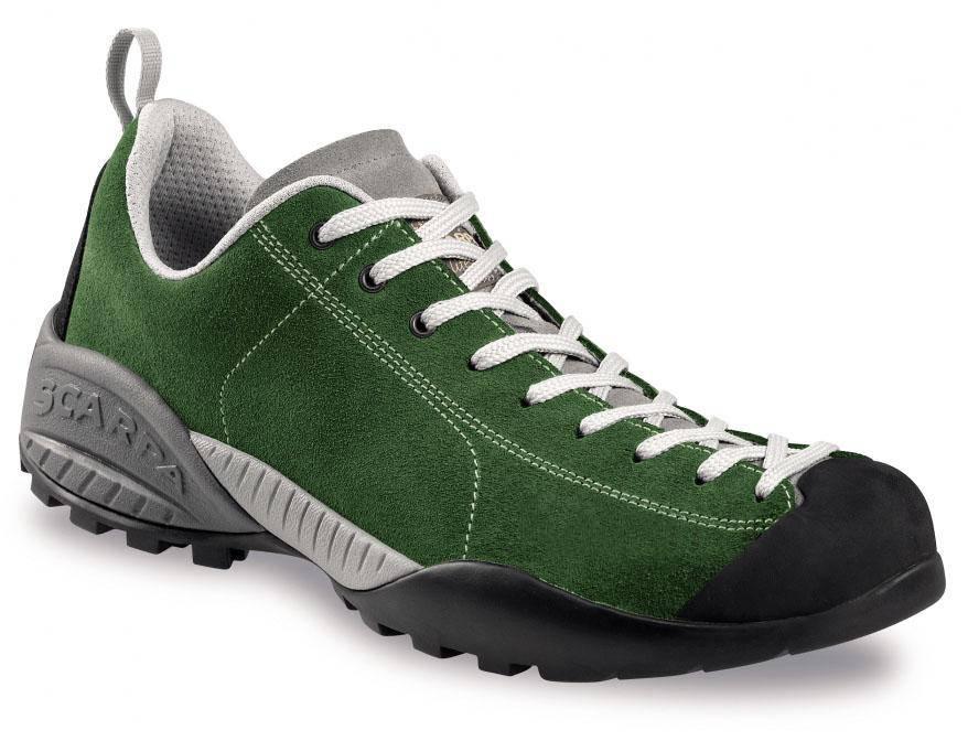 что такое треккинговые кроссовки