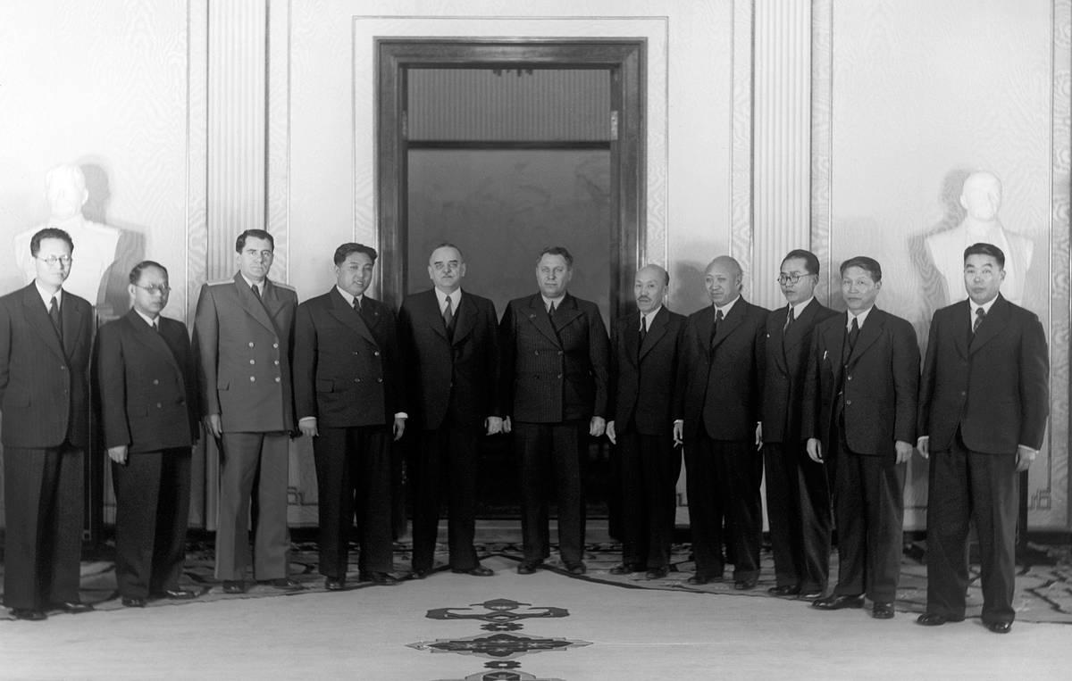 первая атомная станция в мире