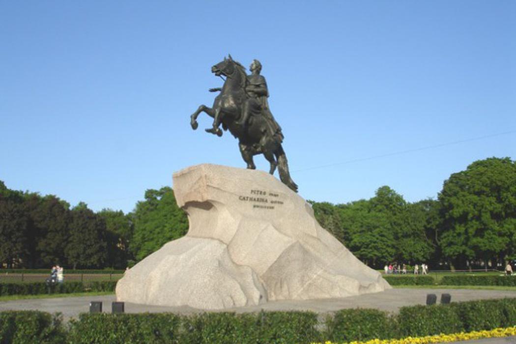 медный всадник памятник в санкт петербурге