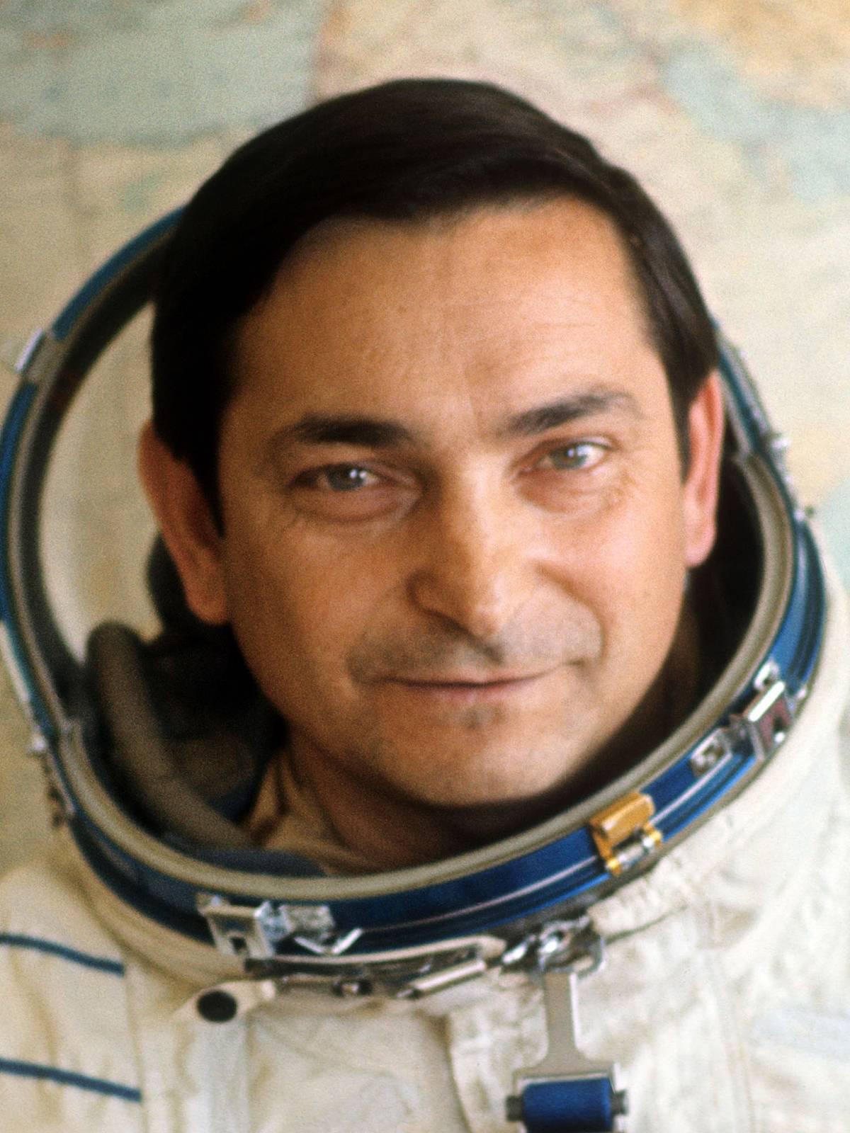 быковский космонавт