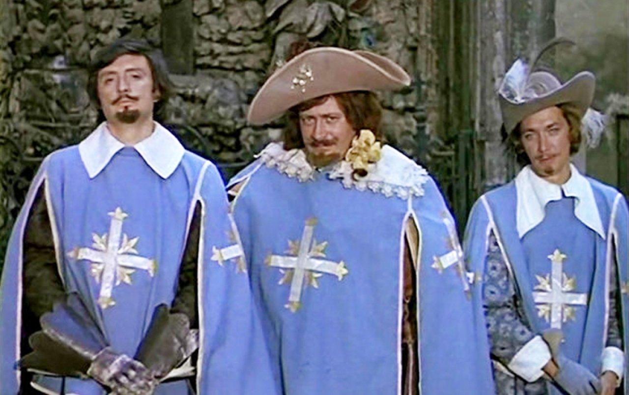 автор трех мушкетеров