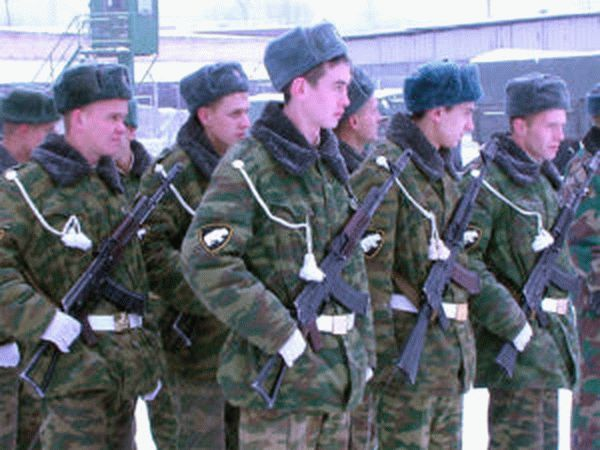 сколько платят военным в россии