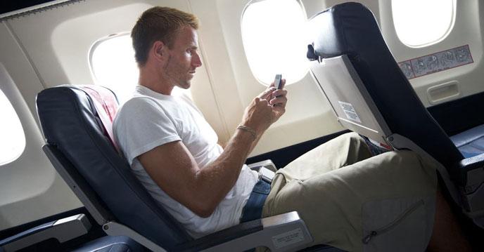почему нужно выключать телефон в самолете