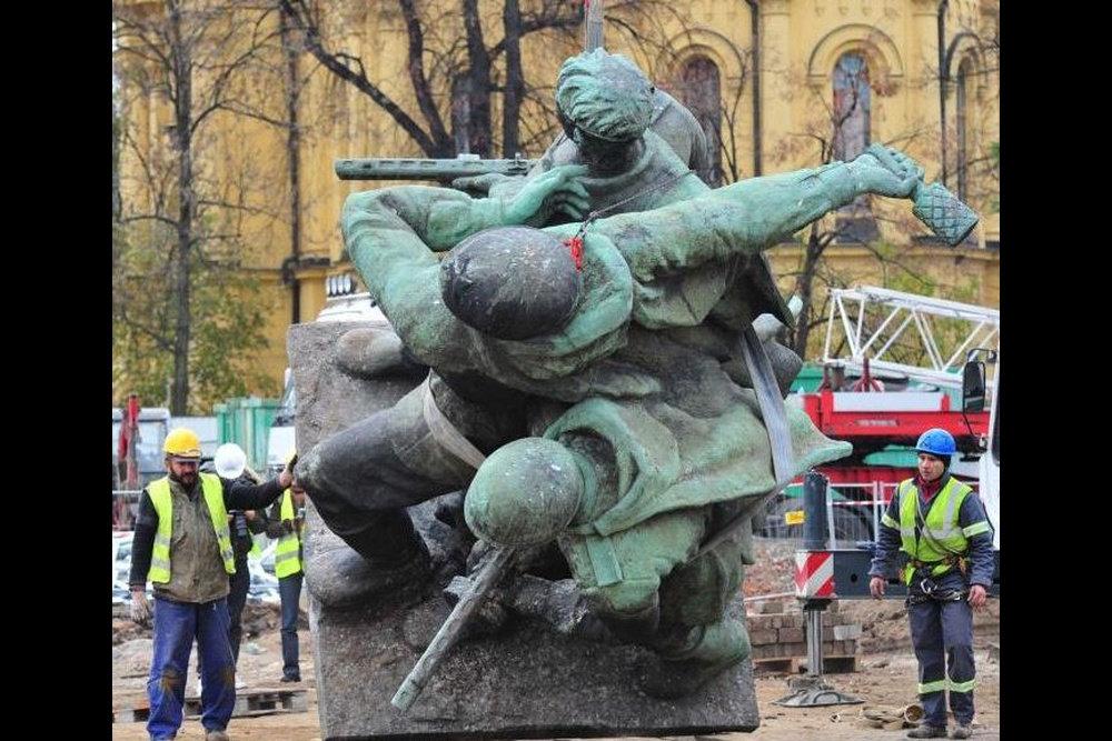 солдат победитель памятник