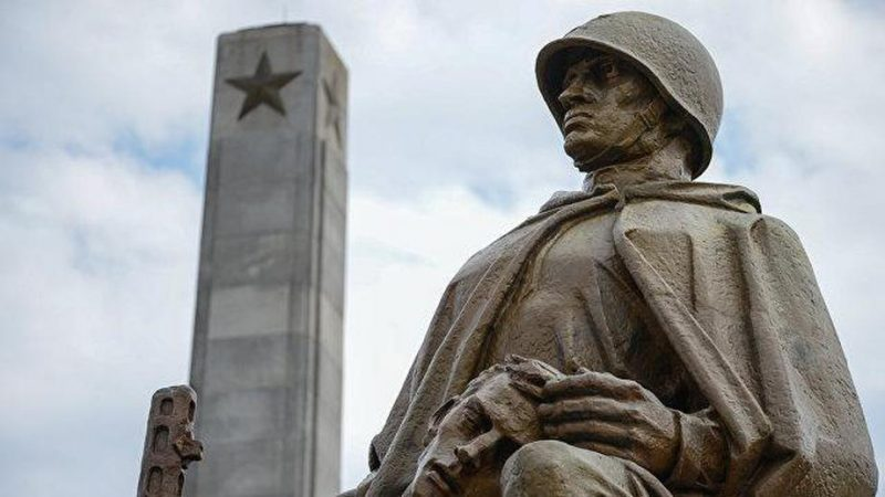 памятник воин освободитель в берлине