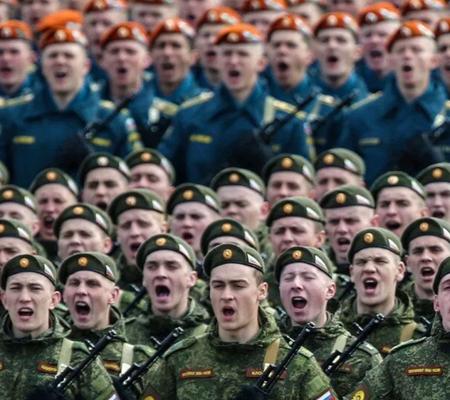 на сколько подписывается первый контракт в армии