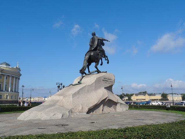памятник петру первому в санкт петербурге