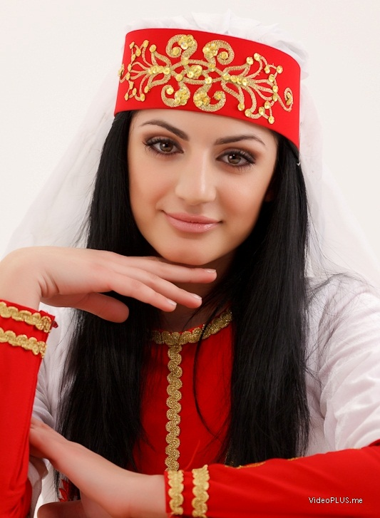 много армян или армянов