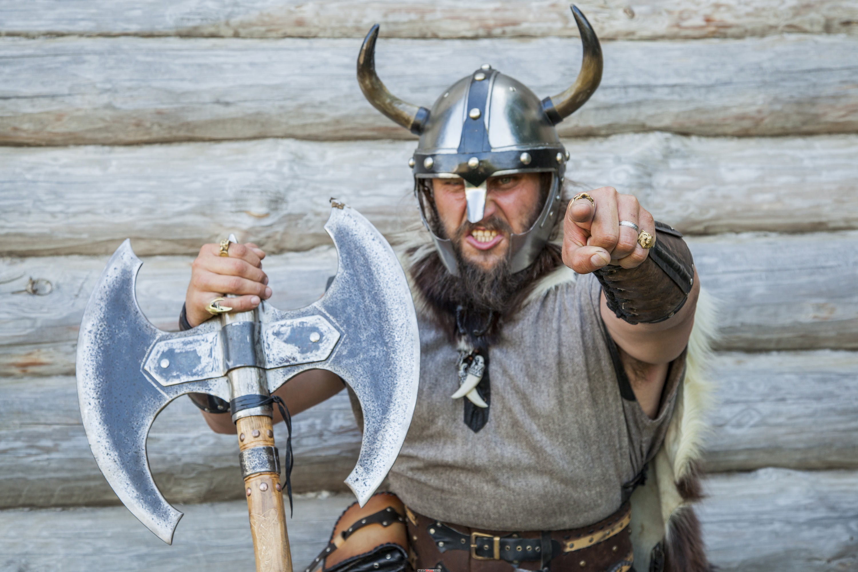 зачем викингам рогатый шлем