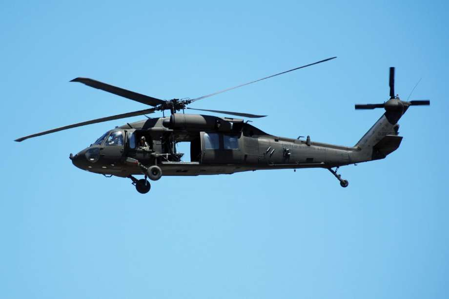 вертолет uh 60 black hawk