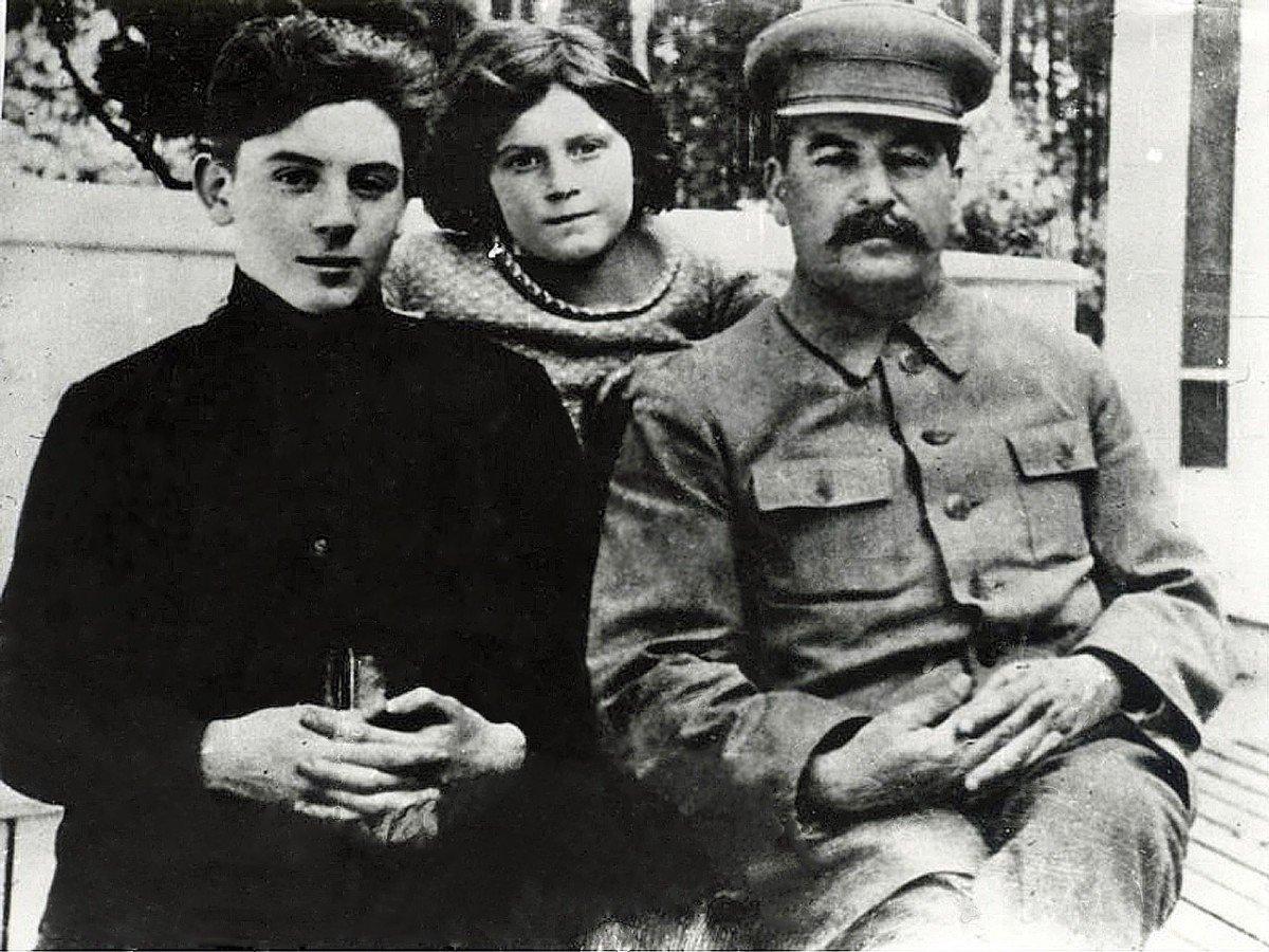 дети и внуки сталина