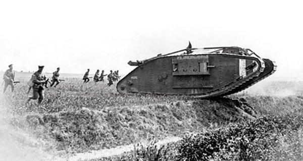 в каком сражении впервые были применены танки