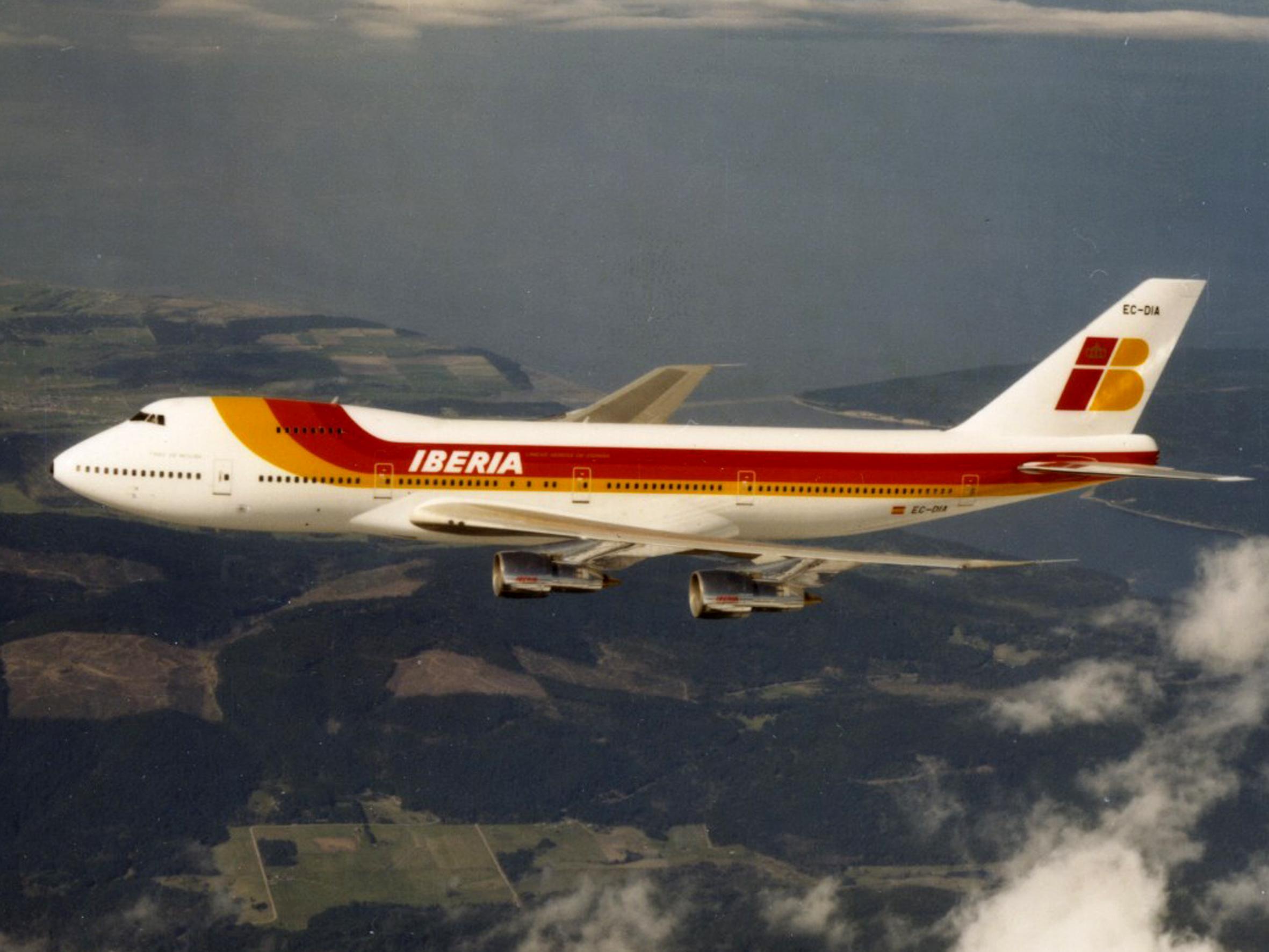 масса самолета боинг 737