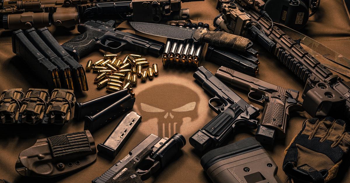 кто создал револьвер
