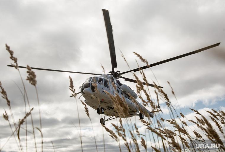 с какой скоростью летит вертолет