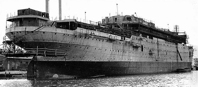 в каком году затонул адмирал нахимов