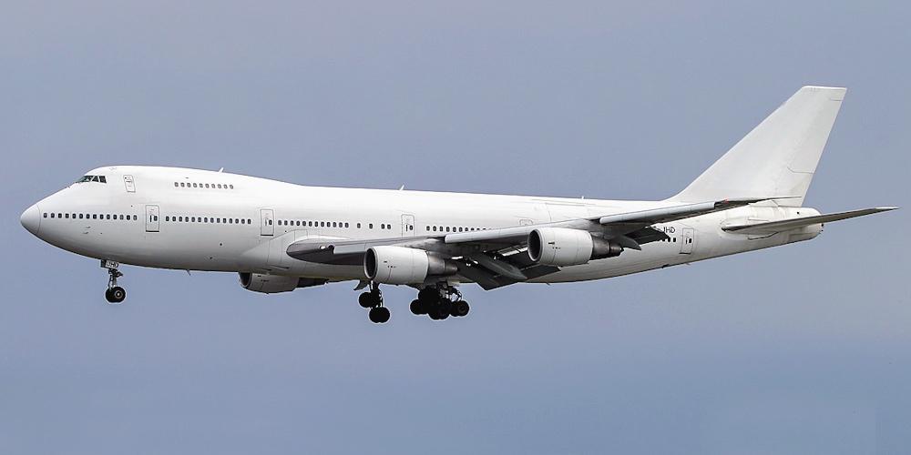 сколько весит самолет боинг 747
