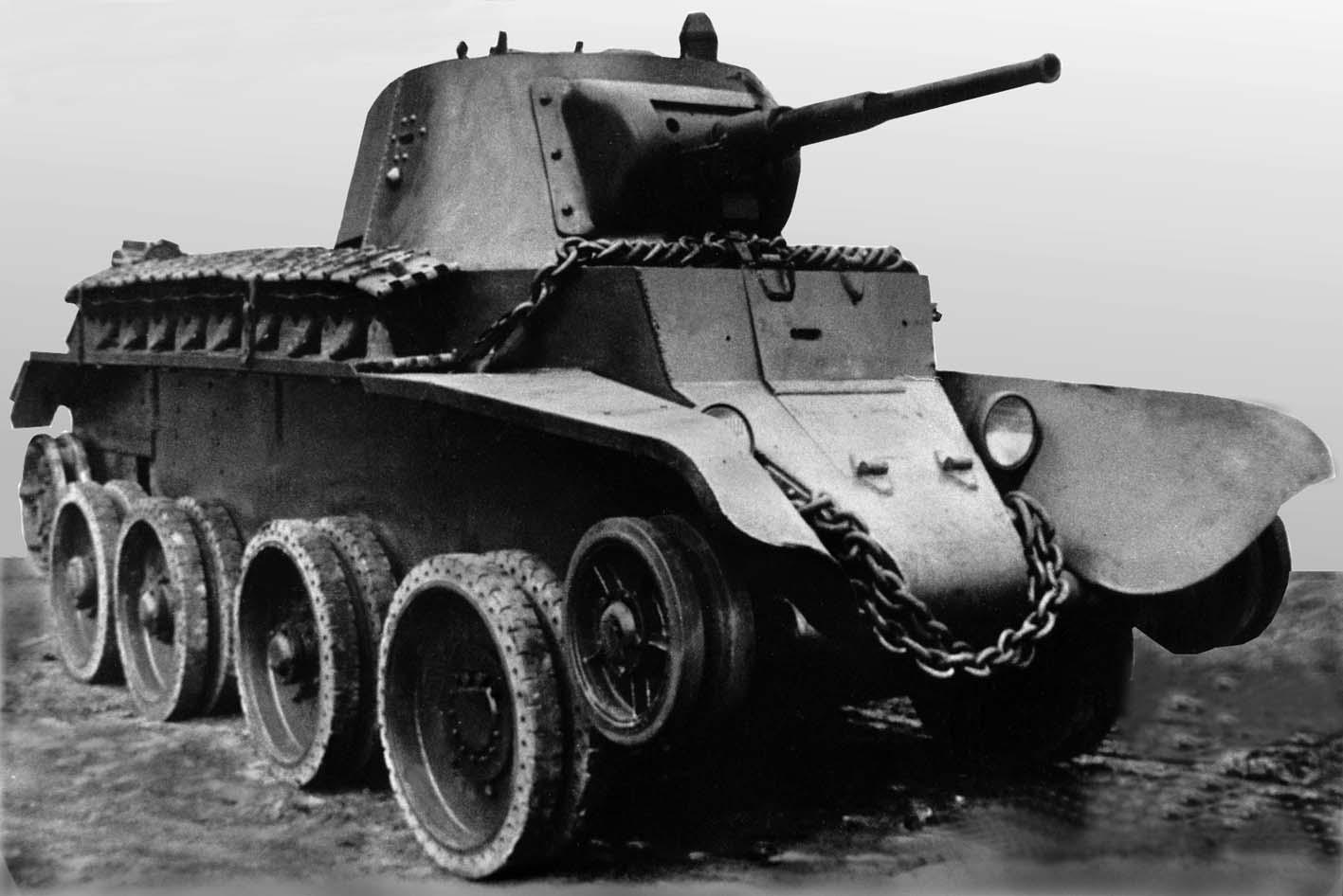 какая страна впервые применила танки