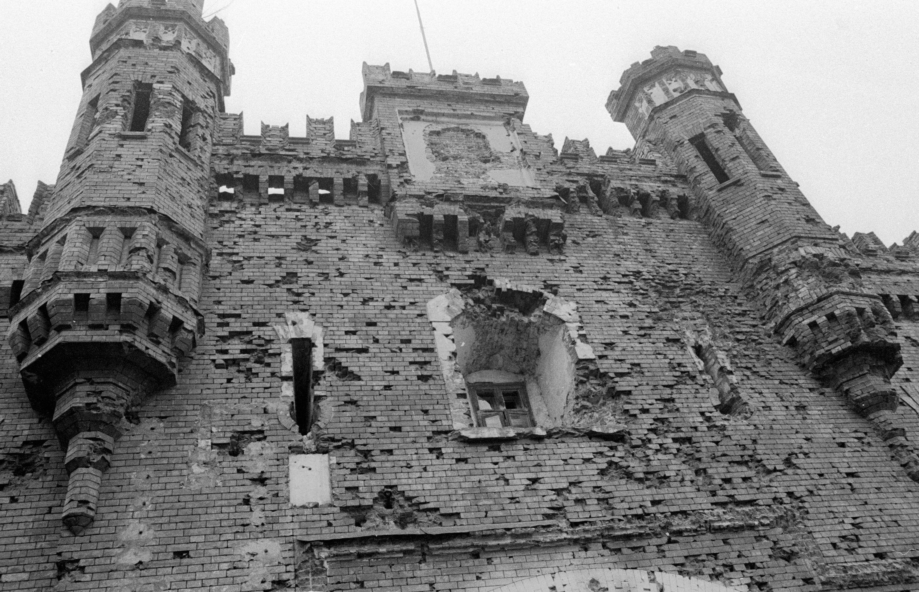 кто построил брестскую крепость