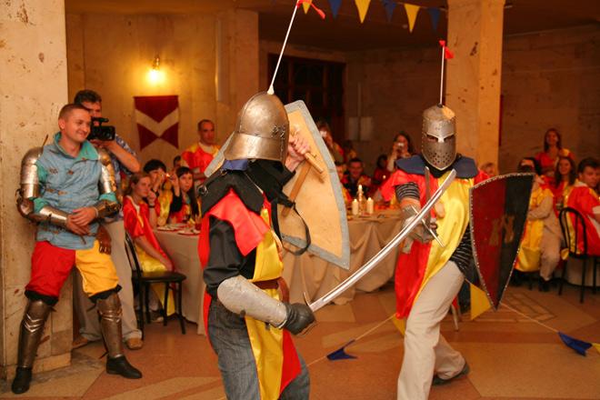 боевое состязание рыцарей