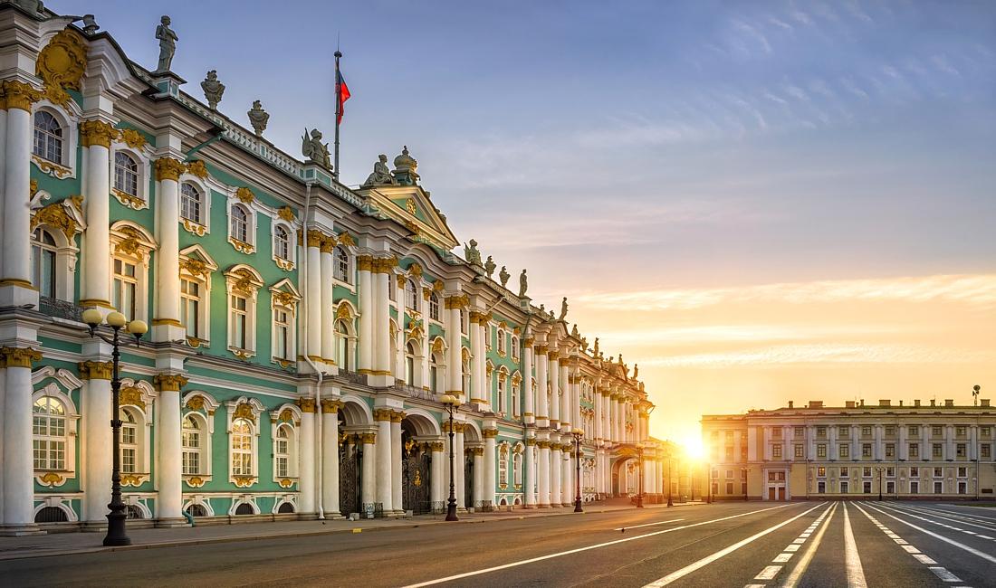 в каком году петербург стал столицей россии