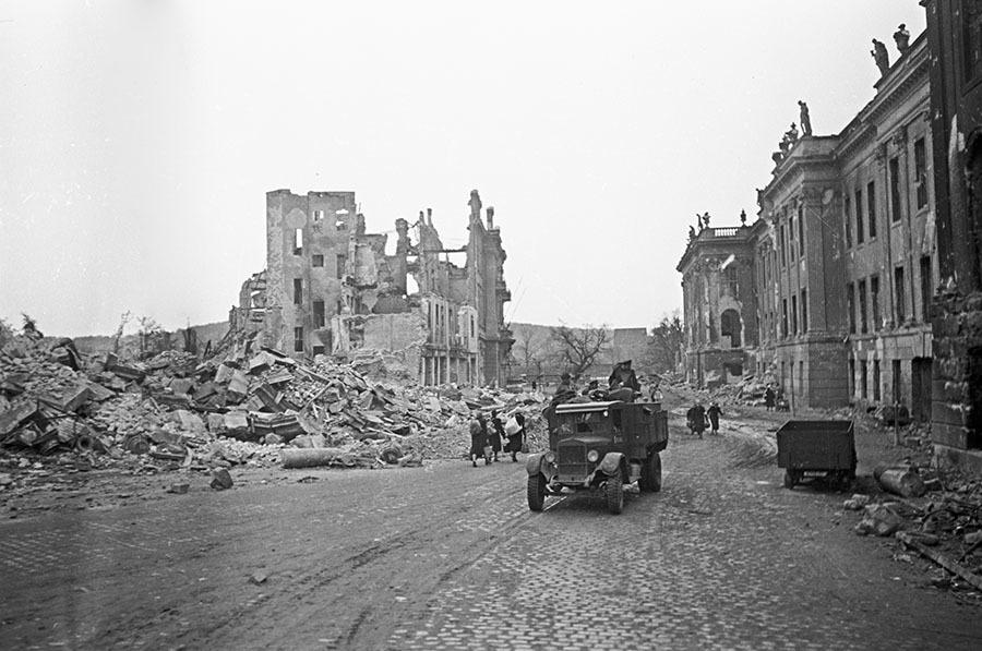 дрезден 1945