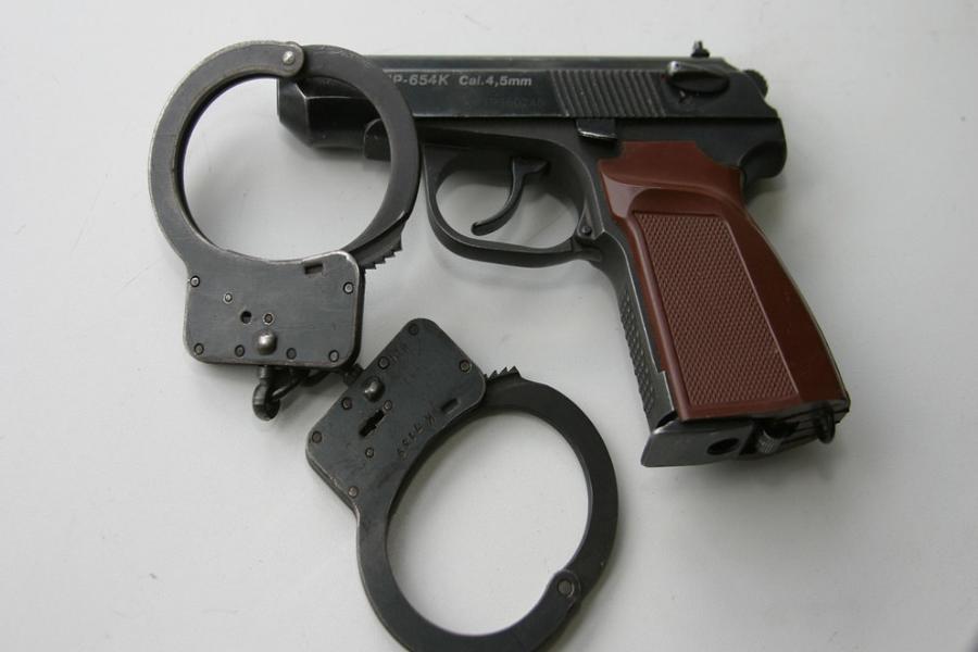 газовый пистолет без лицензии
