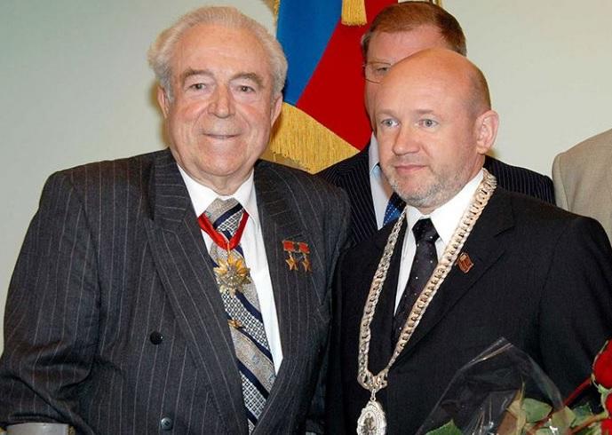 виталий попков дважды герой советского союза