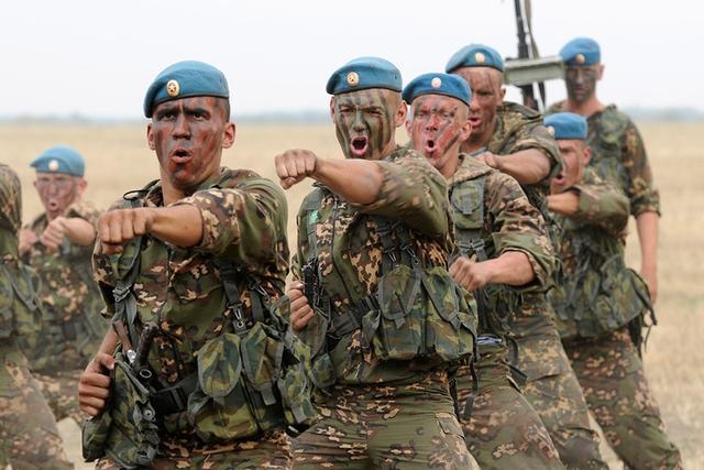 что делают контрактники в армии