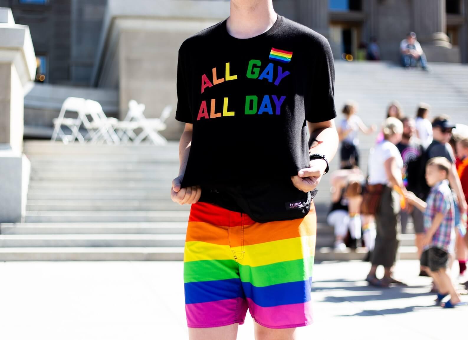 сколько геев в сша