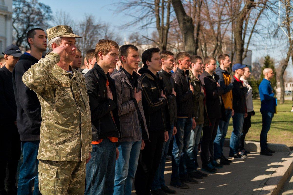 что сегодня за праздник в россии военный