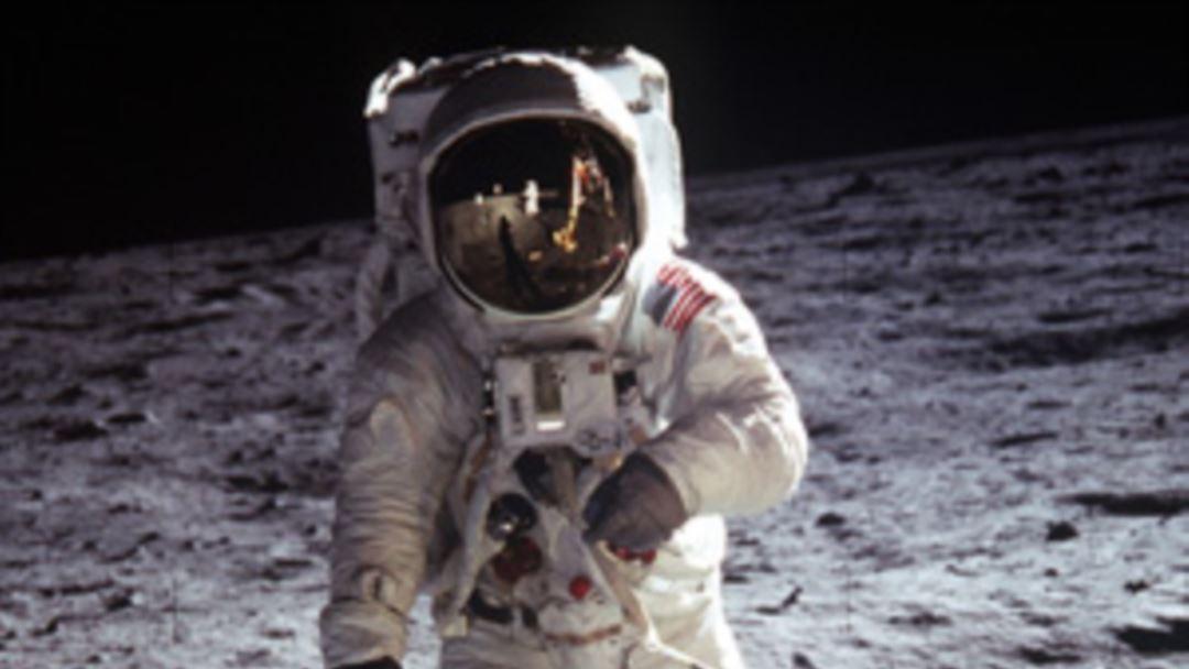 сколько раз американцы летали на луну