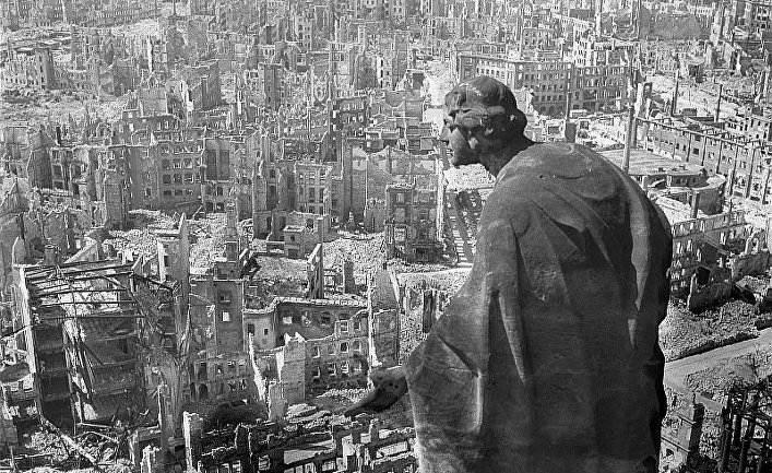 кто бомбил дрезден в 1945