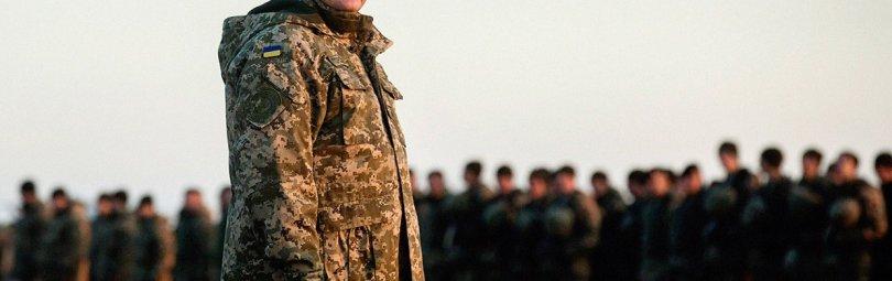 Порошенко перед строем солдат
