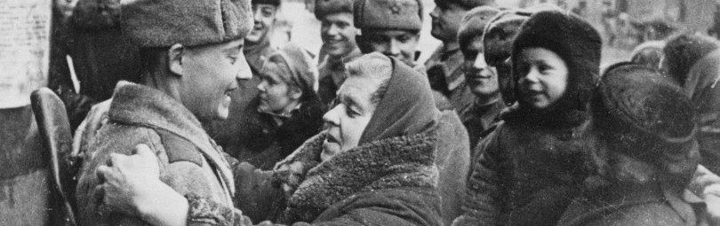 В освобожденном Ленинграде