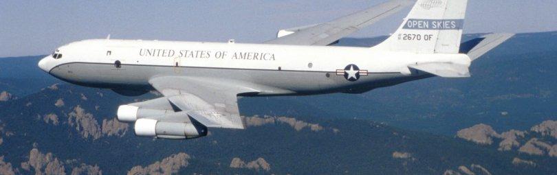 Американский разведчик Boeing OC-135B