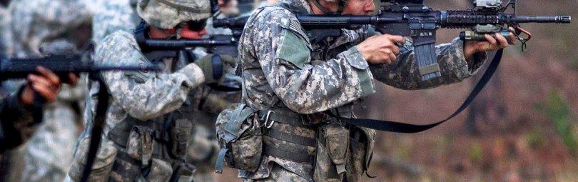 Американская пехота ведет огонь