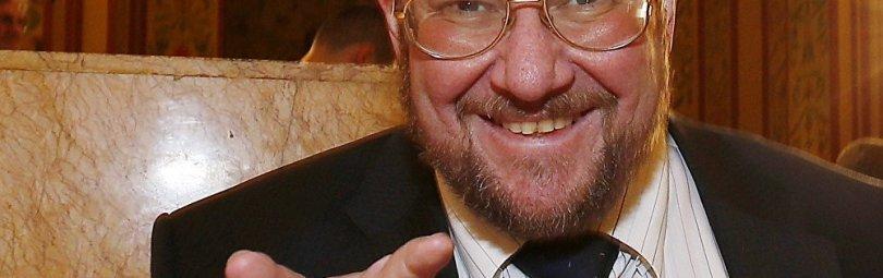 Евгений Сатановский улыбается